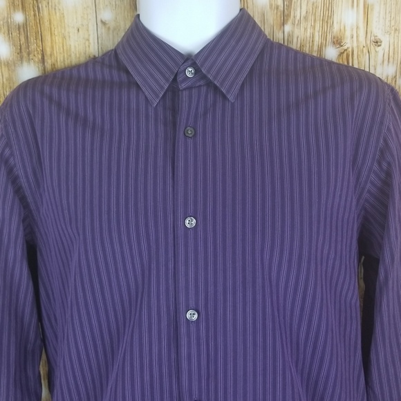 61977badc ... 32/33 mens button up dress shirt. Hugo Boss.  M_5b7396b8194dad6e93390c2f. M_5b7396c845c8b39670bdc089.  M_5b7396e7df03070a95a2c770